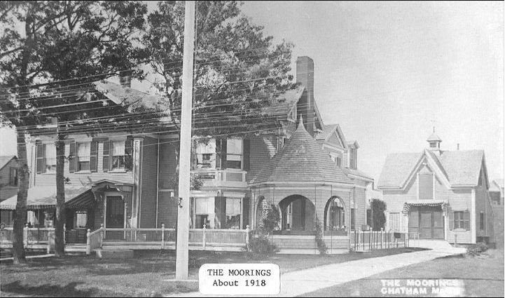 A vintage photo of the house circa 1918