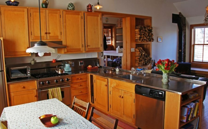 Kitchen With Maple Cabinets Hooked On Houses