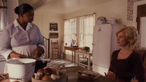 Minnie and Celia in the kitchen-The Help 2