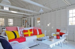 Colorful cottage in Hyannis Port for sale 13