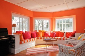 Colorful cottage in Hyannis Port for sale 4