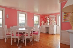 Colorful cottage in Hyannis Port for sale 6