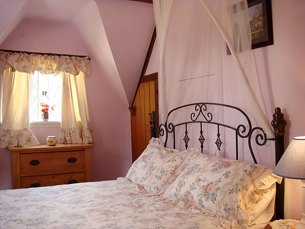 Fig Tree Cottage bedroom
