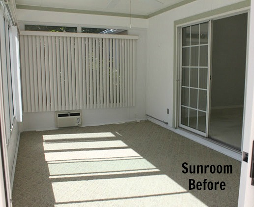 sunroom before redecorating