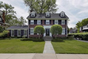 The real Planes Trains & Automobiles house for sale