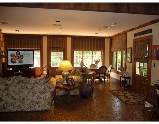 Family room and kitchen nook listing hooked on houses - Kitchen nooks for sale ...