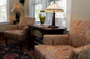 sitting area at Croatan Cottage