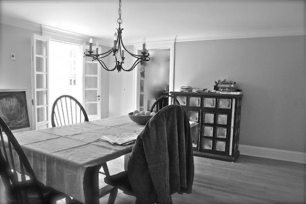 black and white photo of dining room before remodel