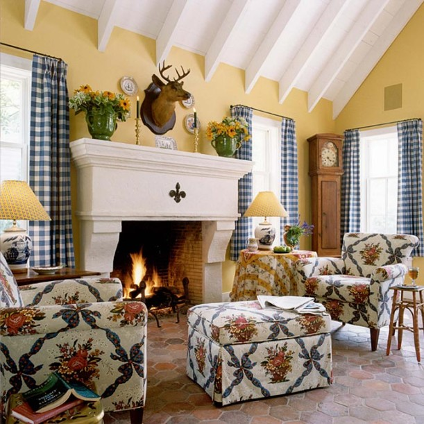 Amundsen Kitchen Hearth Room: Designer Suzy Stout Selling French Country Farmhouse In