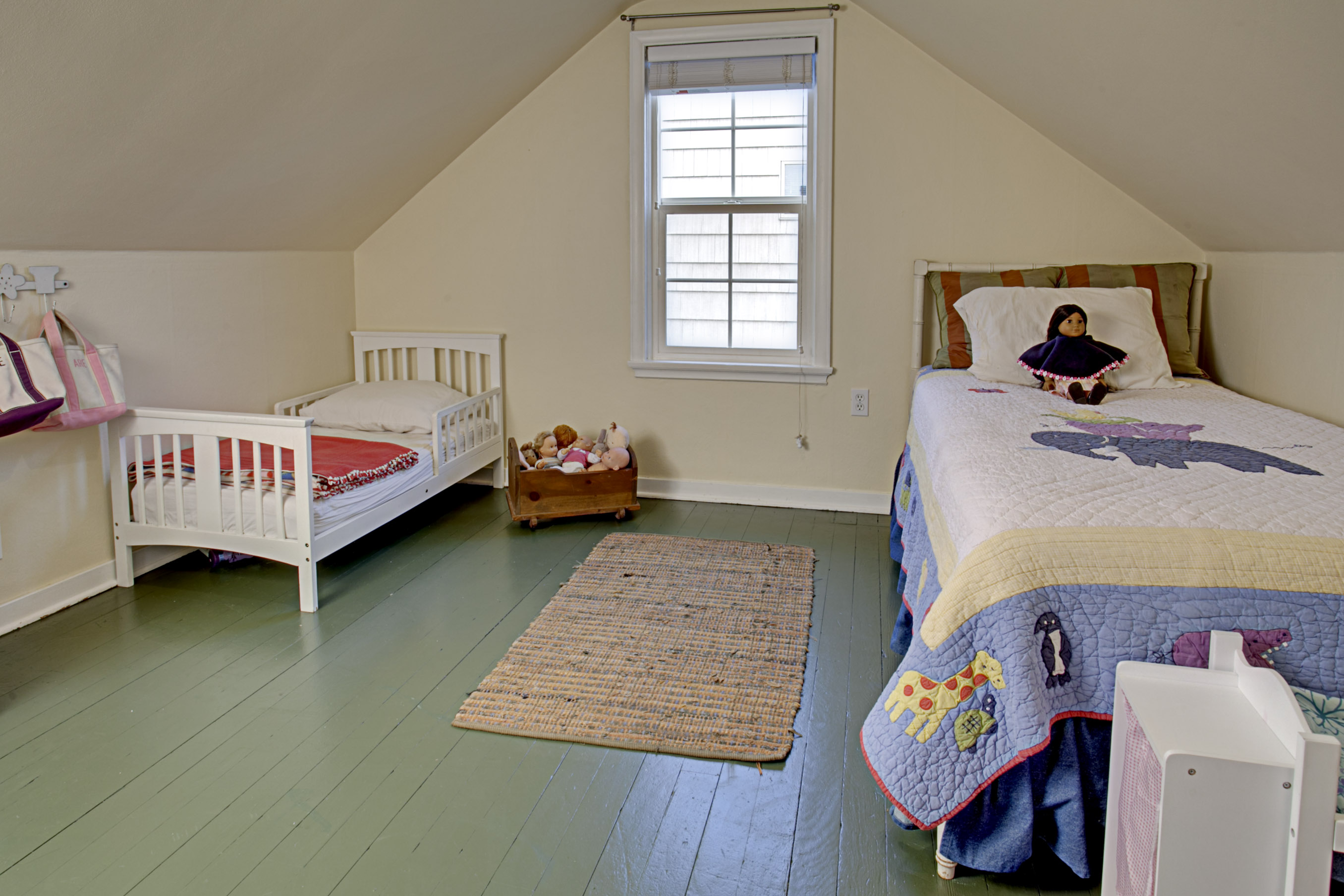 cape cod bedroom cape cod seattle child s bedroom hooked on houses 10987