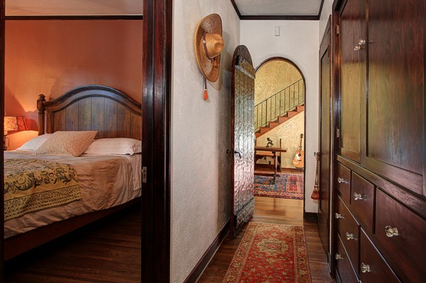 Spanish colonial bedroom How do you say master bedroom in spanish