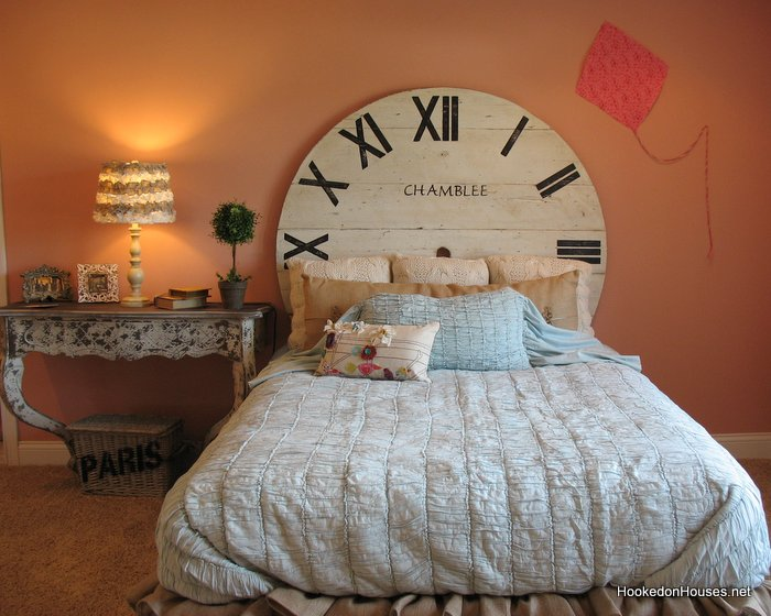 Fischer Wheatland Model Girlu0027s Bedroom Clock Bed