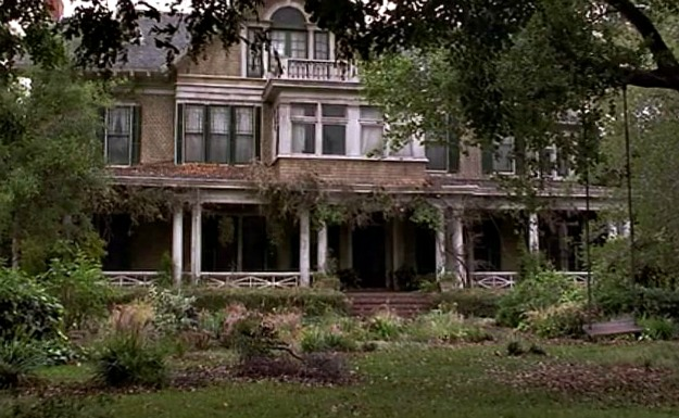 Miss Trunchbull\'s house with rundown exterior