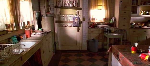 The old trunchbull mansion kitchen matilda hooked on houses for The nanny house layout