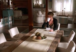 Emily's Beach House in Revenge-dining table