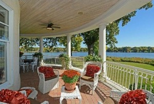 Lorie Line's house on Lake Minnetonka (2)