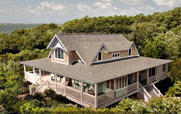 Emily thorne 39 s beach house in the hamptons on revenge for How much is a house in the hamptons