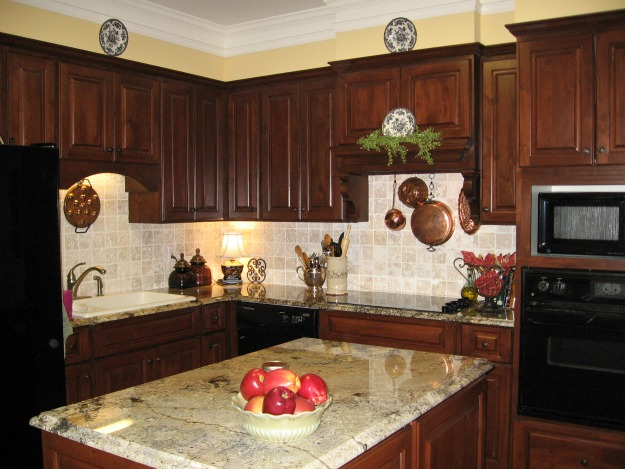 Wood Kitchen Cabinets with Dark Countertops 625 x 469