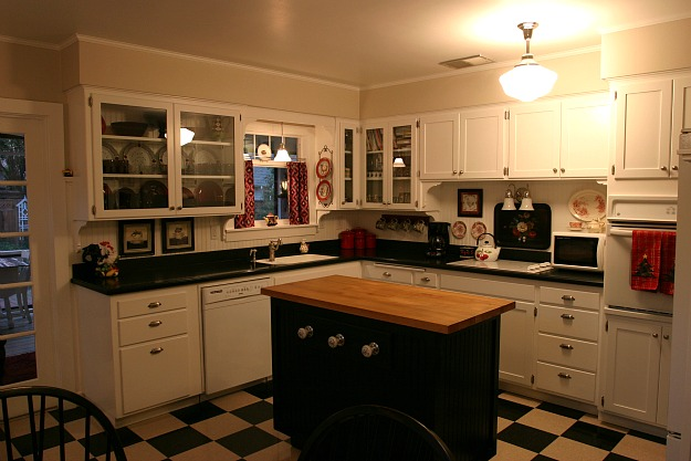 Giving A 1930s Kitchen Some Old Fashioned Charm Hooked On Houses