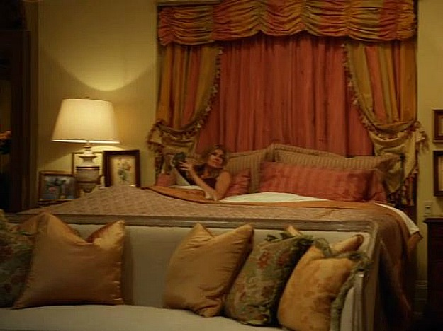 Rayna S Bedroom On Nashville Set Abc Hooked On Houses