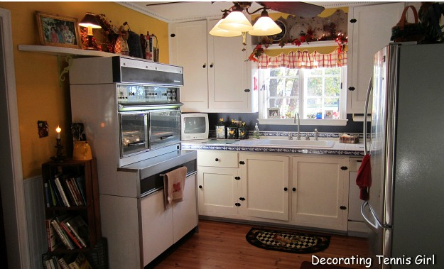 Kitchen and Cabinetry in Robin\'s vintage kitchen