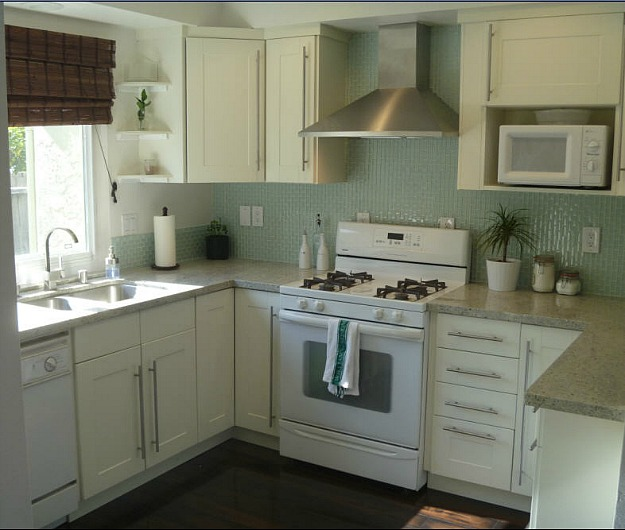 Kitchen Cabinets White Appliances: 8 Small(er) Kitchens My Readers Cook In