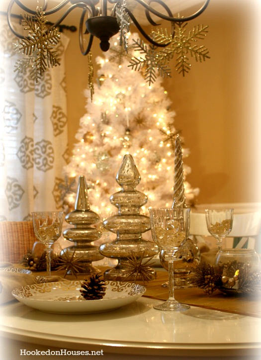 Elegant gold christmas tree decorating ideas - My Silver Amp Gold Dining Room Decorated For Christmas