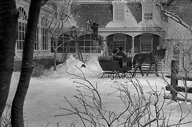 Groovy A Classic White Christmas In The Movie Holiday Inn Download Free Architecture Designs Grimeyleaguecom