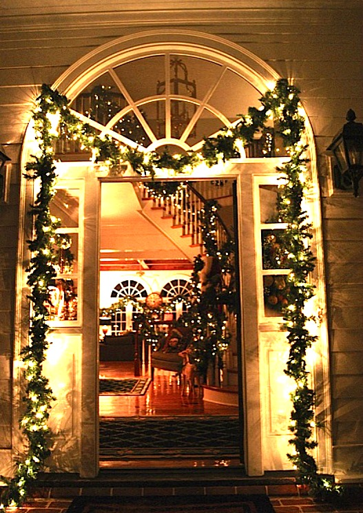 Lisau0026#39;s front door decorated for Christmas - Hooked on Houses