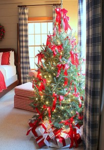 bedroom-Christmas-Tree-Talk-of-the House