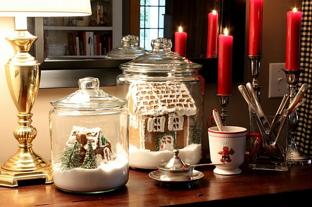 Dining Room Christmas Vignette