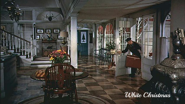 Columbia Inn entry hall in White Christmas movie