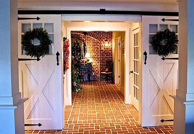 Sliding barn doors lower entry hooked on houses for Barn door in house