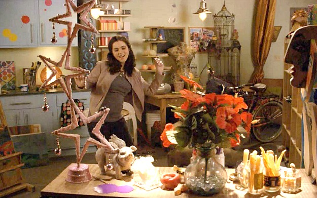 Bay's art studio 2 Switched at Birth