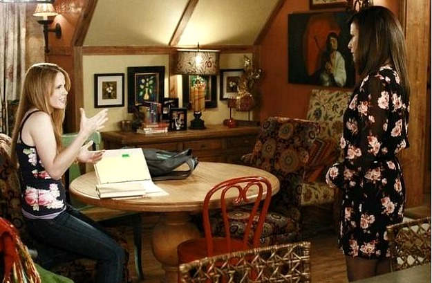 Constance Marie guest house in Switched at Birth