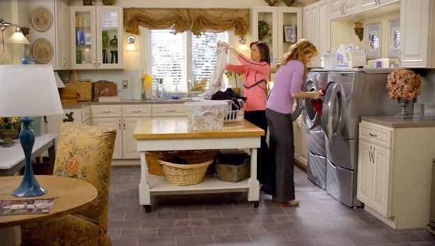 Kennish family mansion on Switched at Birth-laundry room