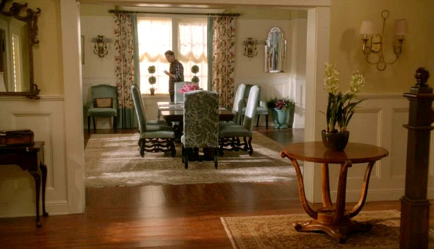 Kennish mansion dining room Switched at Birth 2