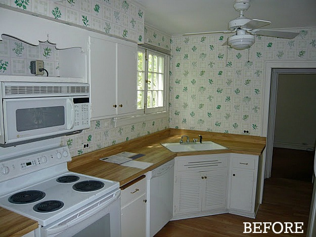 Liz's kitchen before reno