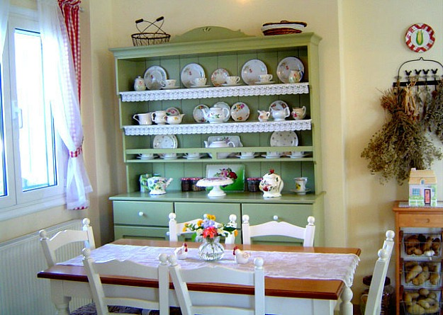 Poppy's eat-in kitchen green hutch