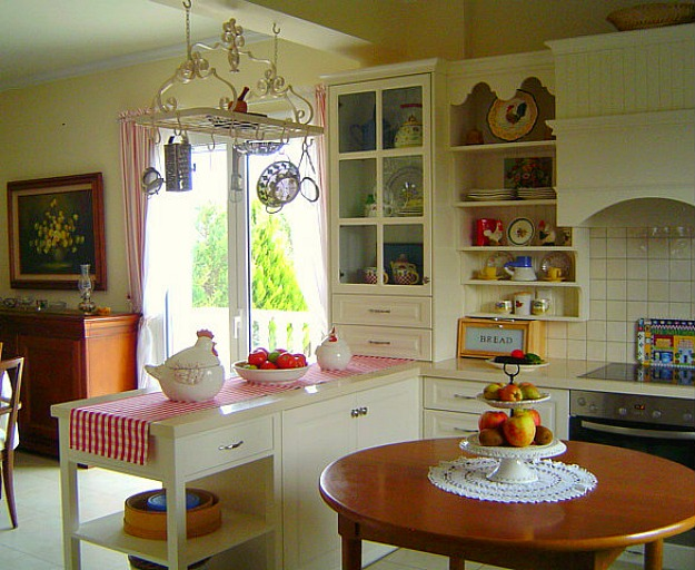 Poppy's kitchen after makeover 2