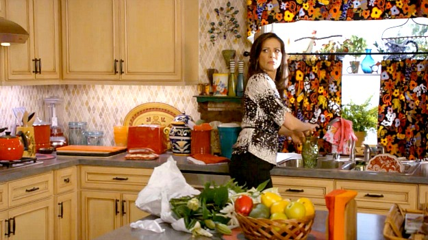 Switched at Birth guest house kitchen 2