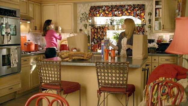 Switched at Birth guest house kitchen 3