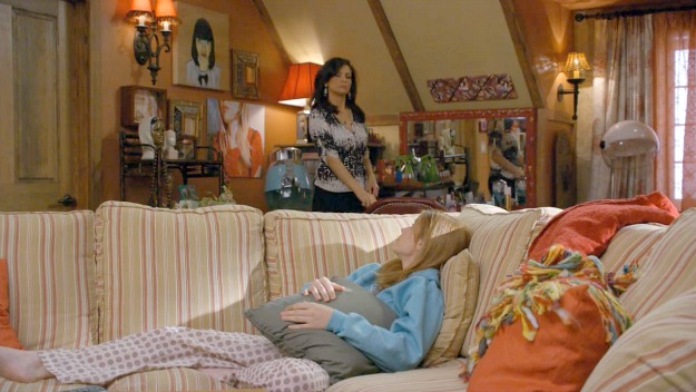 Switched at Birth guest house living room