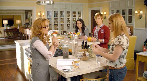 Switched at Birth kitchen 10