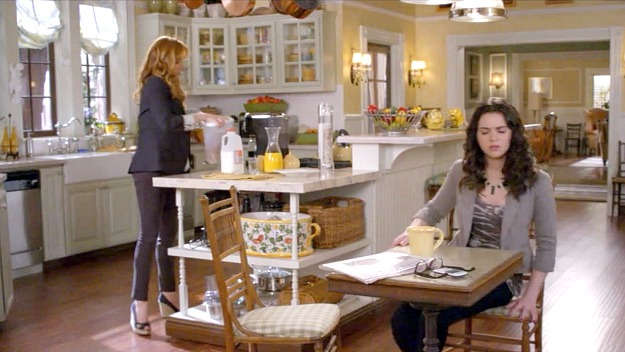 Switched at Birth kitchen 12