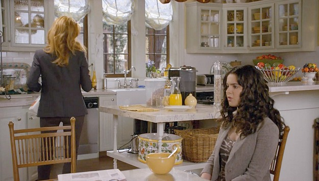 Switched at Birth kitchen 8