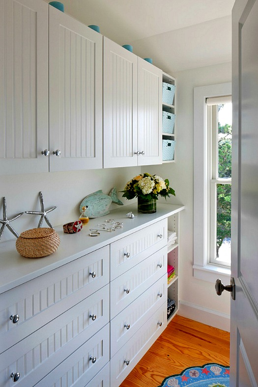 beachy mudroom-laundry room Cape Cod