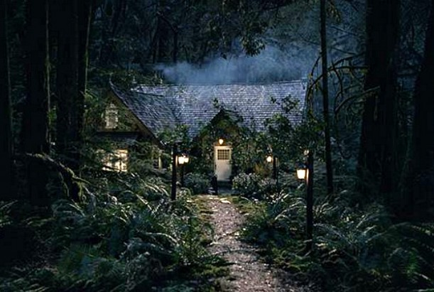 Bella and Edward's Cottage Twilight Breaking Dawn 2