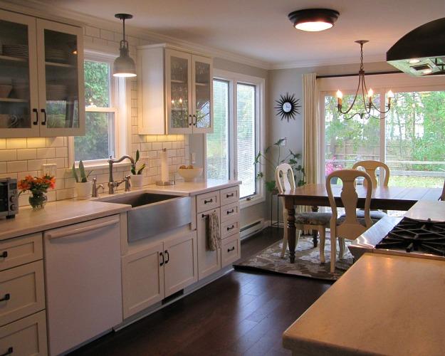 Joyce's black and white kitchen 5