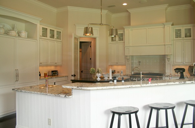 Lori's white kitchen